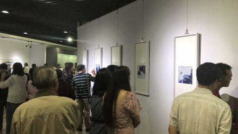 """国际博物馆日:市民争相鉴""""文物""""看历史"""