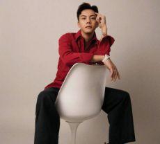 组图:陈伟霆拍时尚大片解锁阔腿裤造型 五官立体散发复古熟男魅力