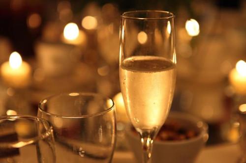 04-wine-glasses-180803