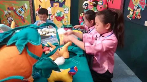江苏省第六届中小学生艺术展演优秀艺术作品展览、艺术实践工作坊展示活动在我市举行