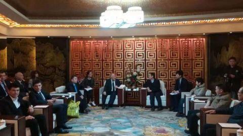 乌兹别克斯坦媒体代表团来连访问