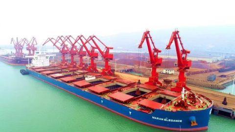 20万吨! 连云港港靠泊开港来最大铝矾土船