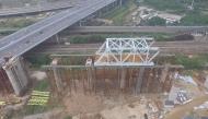 连镇铁路镇江站联络线80m钢桁梁第一次拖拉顺利完成